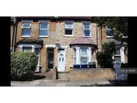 5 bedroom house in Felix Rd, London, W13 (5 bed)