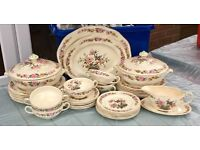Wedgewood 'Canterbury' dinner service