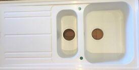 White 1.5 Bowl Reversable Composite Kitchen Sink & Waste Kit(Graded)