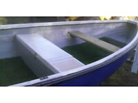 boat for sale roller trailer 4 hp yamaha outboard engine £700 ono