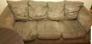 Comfy couch 3 piece SET ! Pickup only.