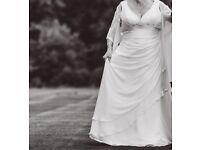 Size 22, 46/48inch bust cream long wedding dress. Demi train. £125