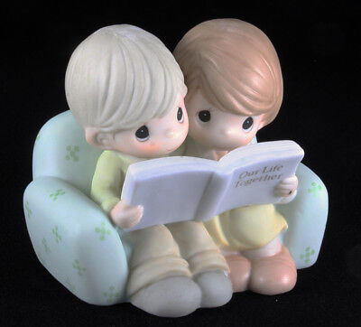 (Precious Moments #730008 - Couple on Sofa looking at photo album, MIB)