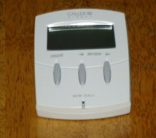 CALLER ID BOX MODEL 2-9031A EASY TO READ w/ PHONE
