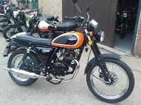 HMC Classic 125cc Motorbike Retro Orange with Helmet, Lock & Cover