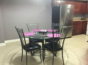 2 bedroom furnished condo townhouse / Bayview & John