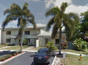 Maison de ville à 20 minutes de downtown Miami ! 1500$/mois