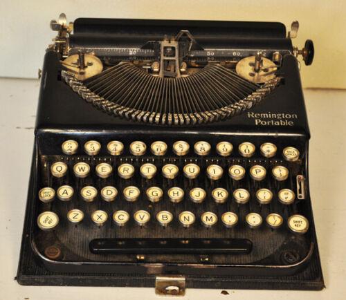 Remington Portable vintage typewriter. Cira 1920.
