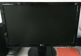 """LG 19"""" flat screen/monitor - excellent condition"""