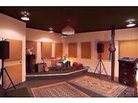 🎸🎸 Large Soundproofed Music Studio for Musician Producer ♫♫ 24/7 Access ♫♫ Super Fast Wif