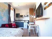 LIMEHOUSE, E14, WELL LOCATED MODERN STUDIO APARTMENT