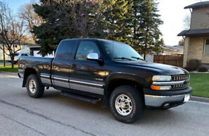 1999 Chevy Silverado 2500, 6L, Extended Cab, Short Box, Safetied