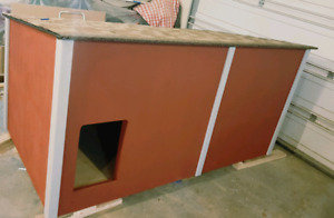 Doghouse heated insulated
