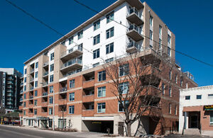 Sunny, Wellington Village 2 bed, 2 bath condo, LEED building
