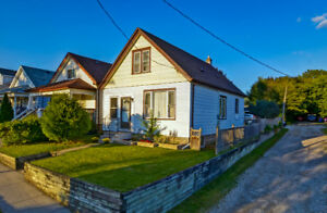 FOR SALE - 624 Glasgow St - Charming Home in Carling Heights!