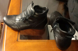 Women's winter shoes size 6,5 with real sheep fur Kitchener / Waterloo Kitchener Area image 2