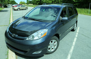 2010 Toyota Sienna LE Minivan, Van, SUPER PRICE  MUST GO NOW!