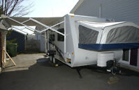 SOLD Pending Pickup - 2009 Jayco Jay Feather EXP 19H Hybrid