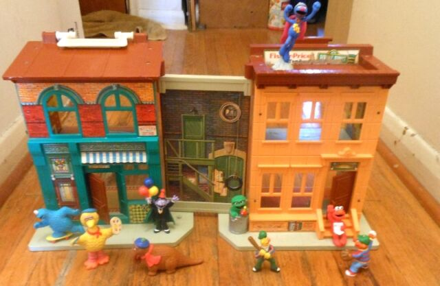 Vintage Fisher-Price Play sets Sesame Street - school, house