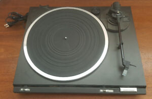 TECHNICS Turntable Model SL-B260