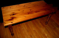BEAUTIFUL SOLID PINE TABLE (SOLID PINE LEGS) !!!
