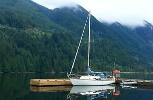 32 Foot Discovery Sailboat