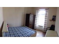 Good size Double bedroom near city centre.