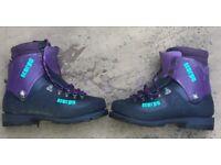Mountaineering boots, Scarpa, rigid - designed for Alpine+ climbing