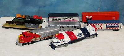 8 Vintage HO Model Train Car/Engine Lot Tyco 4015/1776 4301/Ralston/Gerber J0241