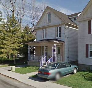 MAY-AUGUST 2017 4 MONTH LEASE 1 BDRM IN A HOUSE