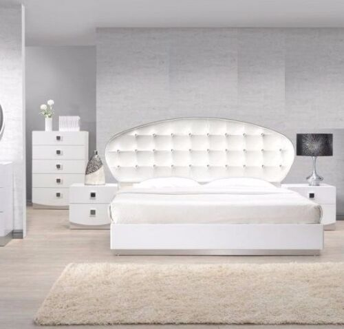 Modern Style France White California King Size Bedroom 1pc Bed Tufted Crystal