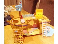 SYLVANIAN FAMILIES Treasure Ship playset