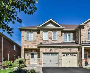 UPGRADED BRIGHT OPEN CONCEPT 3-BEDROOM 3-BATHS FREEHOLD TOWNHOME