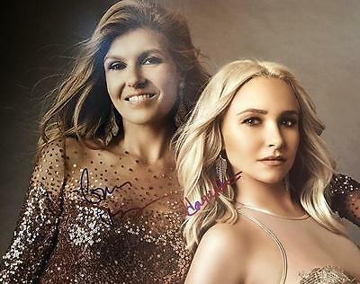 Nashville  14X11 Color Photo Signed By Connie Britton   Hayden Panettiere