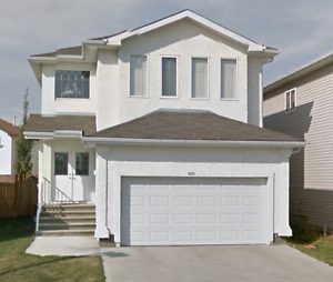Beautiful and Spacious House for SALE in Silverberry!!!!!!