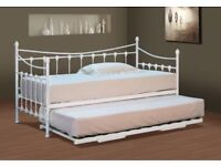 White day bed with trundle
