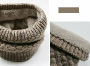 NEW. Warm Knitted Ring Scarve. One size