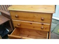 Pine way chest of draws