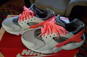 I am Selling a Pair of Grey/Pink Wmns NIKE Huarache Sz 7 for $45