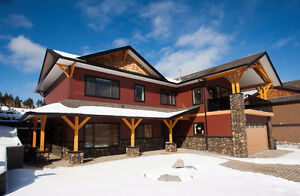 Gorgeous Home Overlooking Williams Lake FOR SALE