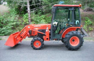 Kubota b3030 Cab Tractor with Loader and 4x4