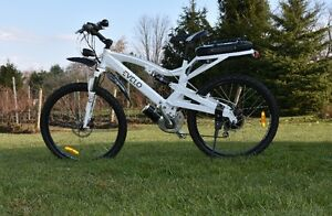 EVELO ARIES Electric Bicycle,  USED Windsor Region Ontario image 2