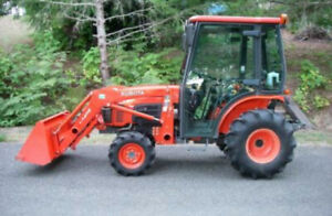B3030 Kubota Tractor with loader and 4x4