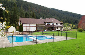 Large Family Home with Pool on 7+ Acres