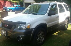 priced for quicksale 2005 Ford Escape SUV, Crossover