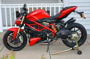2014 DUCATI STREETFIGHTER 848 RARE RED WITH LOTS OF EXTRA $$$$$$
