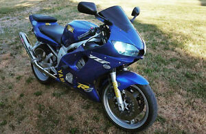selling my 2000 r6 NO TIME To RIDE