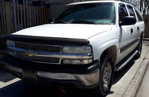 2004 Chevy Suburban make me an offer