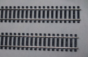 2 TRACK DE TRAIN MINIATURE 36 po. ( HO )