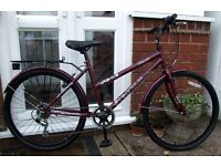 *WOMENS / LADIES 6 SPEED HYBRID / TOWN BIKE - WITH MUDGUARDS & RACK - NEVER USED - AS NEW!*